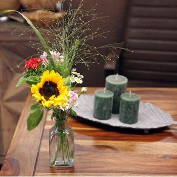 Kleine Aufmerksamkeit mit Vase