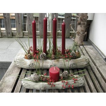 Adventsgesteck Wood mit einer Kerze