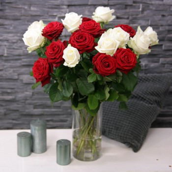 XXL Red & White Rosenstrauß